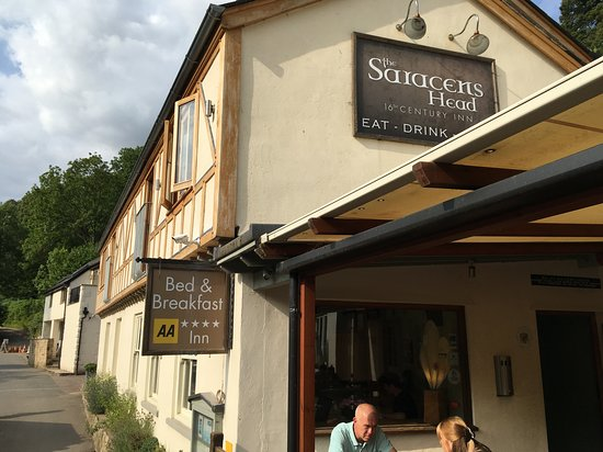 The Saracens Head Inn Restaurant照片
