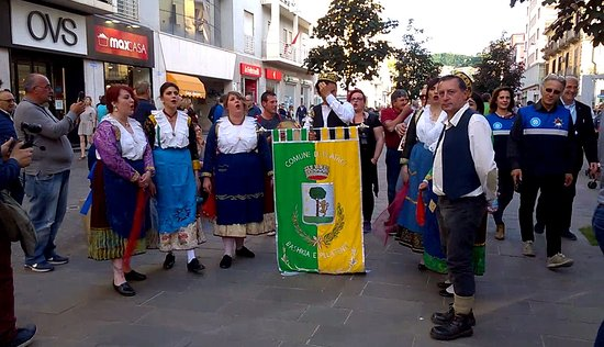 Rappresentanza di Plataci durante la manifestazione Bukuria Arbëreshë di Cosenza, Calabria