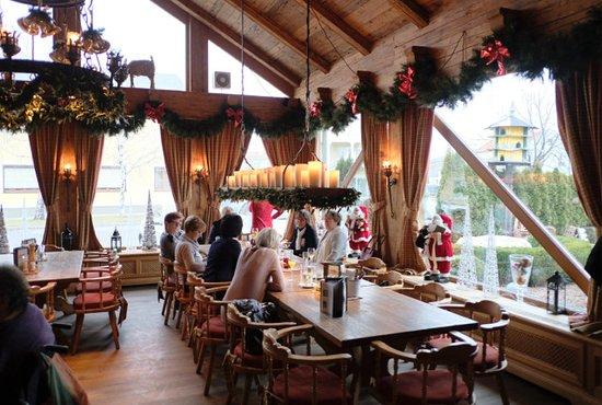 Weihnachtsdeko Picture Of Restaurant Landhaus Parndorf Tripadvisor