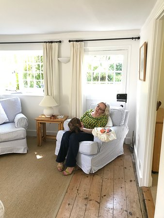 Birdham, UK: Plus comes with a guard dog!