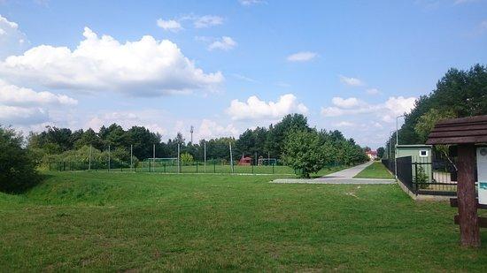 Κεντρική Πολωνία, Πολωνία: pięknie zagospodarowany teren przy zalewowy - brak ławek