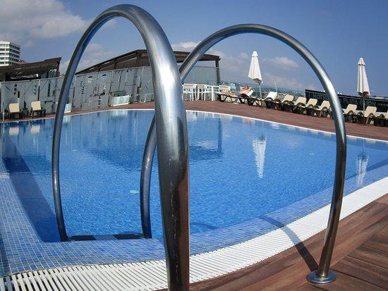 NH Gijón: Pool, Saturday 14/07 10.30am