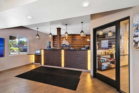Beach Retreat & Lodge at Tahoe: Front Desk