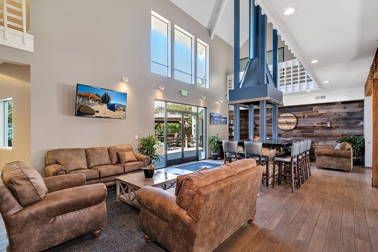 Beach Retreat & Lodge at Tahoe: Lobby Main Room