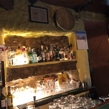 O'Luain's Irish Pub: photo0.jpg