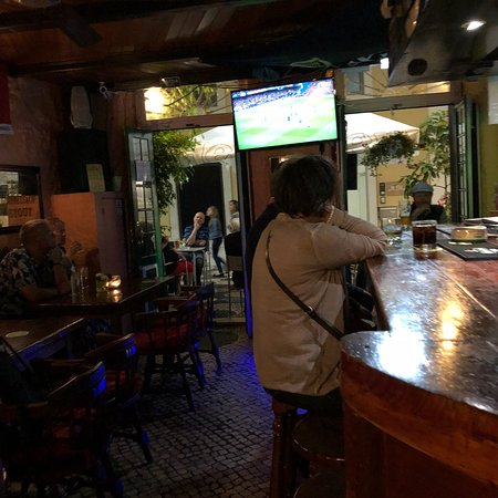 O'Luain's Irish Pub: photo2.jpg