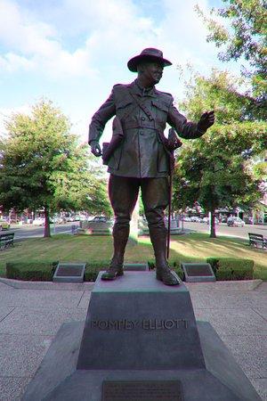 Ballarat, Australia: His statue