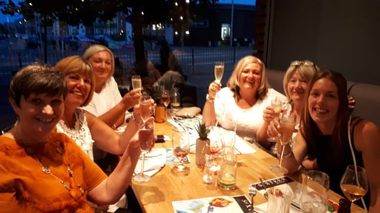 Sixteen Brasserie Newport : Bubbles