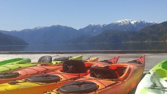 Desolation Sound, Canada: Kayaks at Homfray Lodge