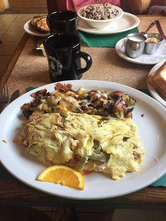 Farmington, NH: Custom omelets