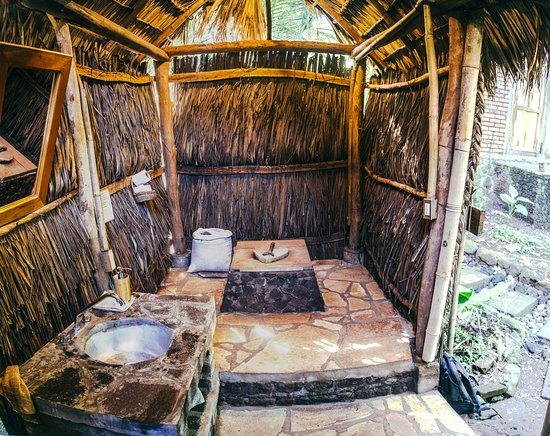 Balgue, Nicaragua: optional outdoor compost toilet, in addition to the indoor flush systems