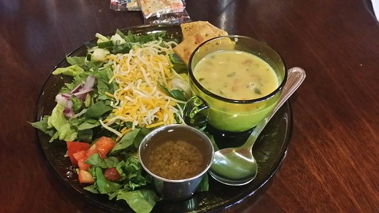 Marietta, OK: Soup of the day and salad