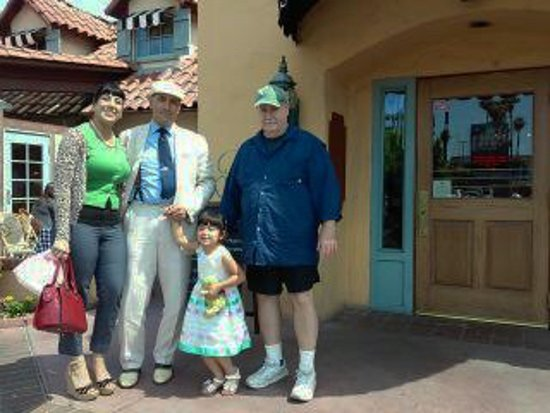 Downey, CA: Kane Family
