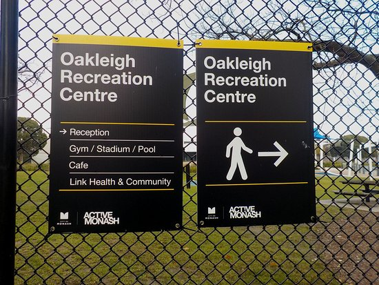 Oakleigh, Australia: Centre sign