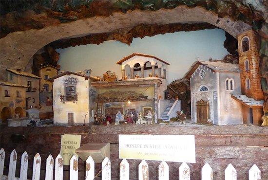 Mezzegra, Italy: You Can Make a Donation