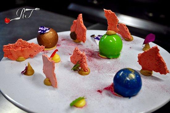 Sauze di Cesana, Italy: Un mondo di cioccolato