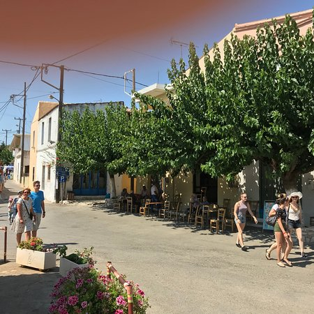 Melidoni, Griekenland: Sur la place..
