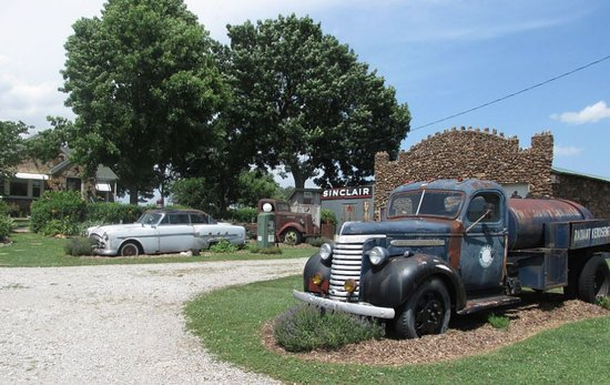 Ash Grove, MO: Highlight of our road trip!
