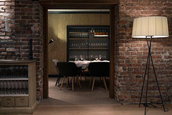 Colonialen Restaurant: Our chambre séparée