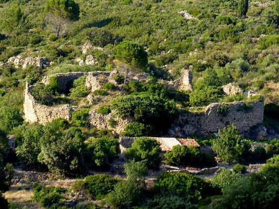 Tuchan, Frankreich: ruines en contrebas du château