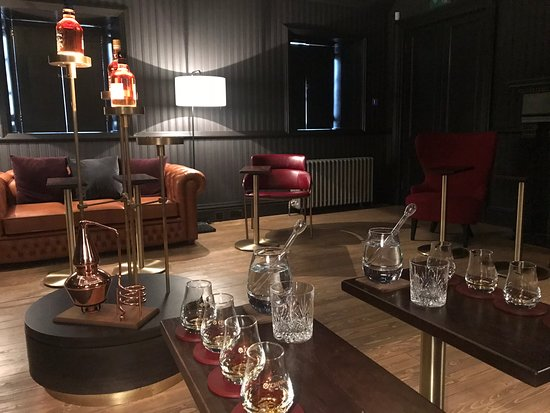 Keith, UK: Newly designed, cosy high quality tasting room and the most wonderful tasting experience