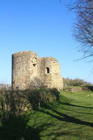 Lehon, France: le château