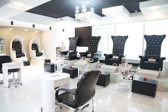 Miss White Hair Studio & Spa