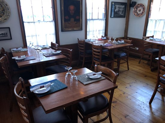 The Red House Restaurant: the dining room
