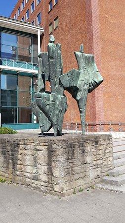 "Skulptur ""5 Erdteile"""