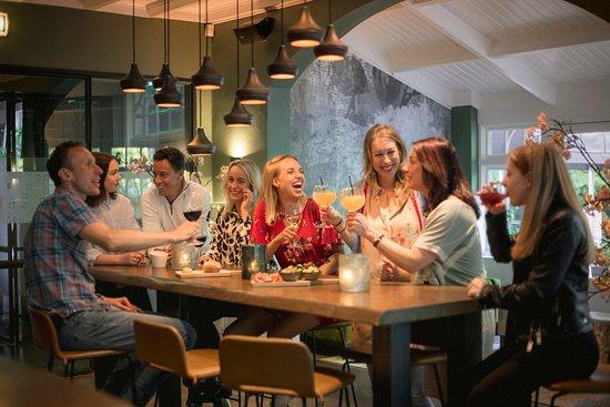 Bosch en Duin, Holandia: Bar