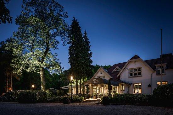 Bosch en Duin, Holandia: HFSLG by Night