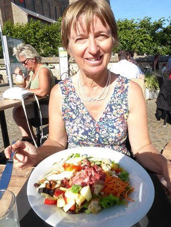 Lissewege, Belgium: my waife and her Goat Cheese Salad