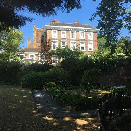 Hampstead: photo2.jpg