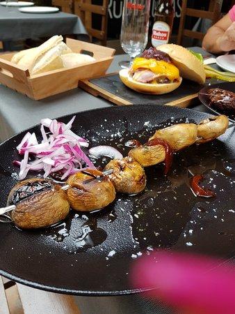 Rompeolas Sidreria - Grill
