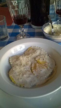 Croce del Moro: Ravioli in salsa tartufata