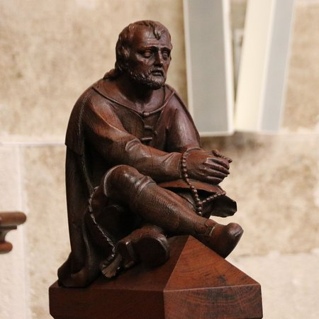 St. Martin's Cathedral (Dom svateho Martina): Pensive man with rosary