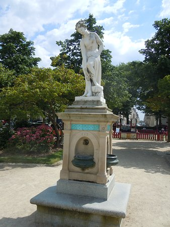 Fontaine La Famille