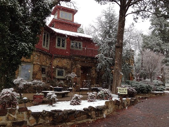 Cedar Rock Inn: Let it snow!