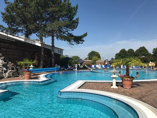 Schwimmbad In Weinheim