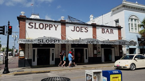 The iconic Sloppy Joe's Bar.
