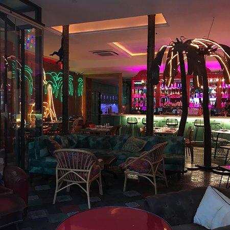 bananas barcelone quartiers de la ribera el born restaurant avis num ro de t l phone. Black Bedroom Furniture Sets. Home Design Ideas