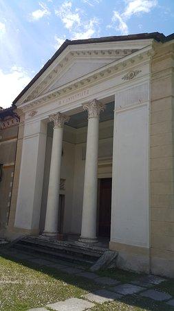 Feltre, Ý: Foto externa do batistério