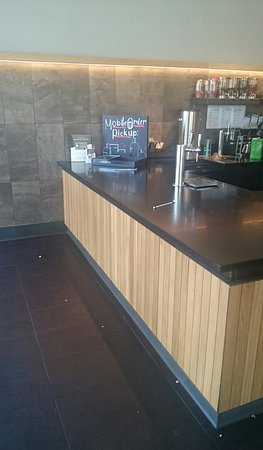 Soquel, Kalifornien: Pick up counter area near barista station.
