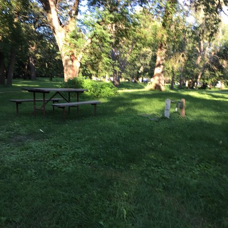 Story City, IA: Whispering Oaks Campground