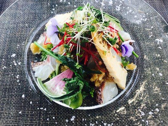 Iizuna-machi, Japan: 鯛と地元野菜のサラダ
