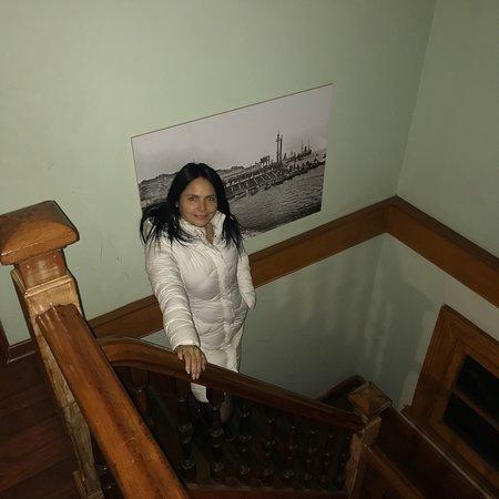 Calidad de atención increíble, una casa antigua que se siente la historia.