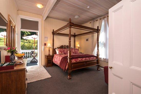 Historic Sennen House Boutique Accommodation: Queen Charlotte Studio