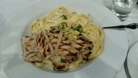 Mount Vernon, OH: Fettuccini Alfredo with Chicken
