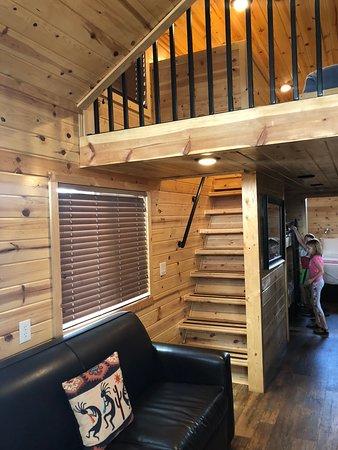 Holbrook / Petrified Forest KOA: Cabin