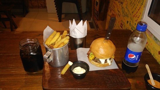 SMR burger house: la rodadera